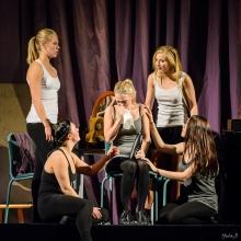 9 Nunnor föreställning